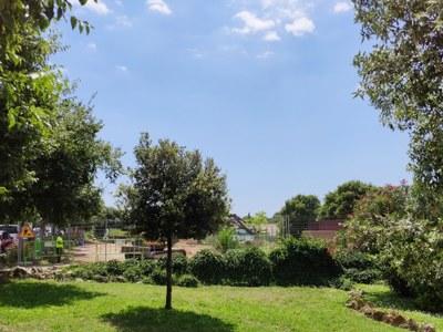 Inici d'obres d'aparcament i canvi d'ubicació dels jocs infantils rere l'Ajuntament de Vilafant