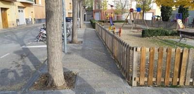 Tala d'arbres a la Plaça de l'Era de Can Gelada
