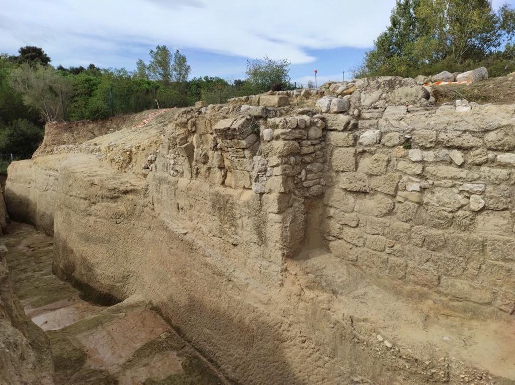 pub-img_20201007_132738 mur fortificacio palol.jpg